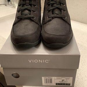 Vionic Shawna Boots Size 9 Wide